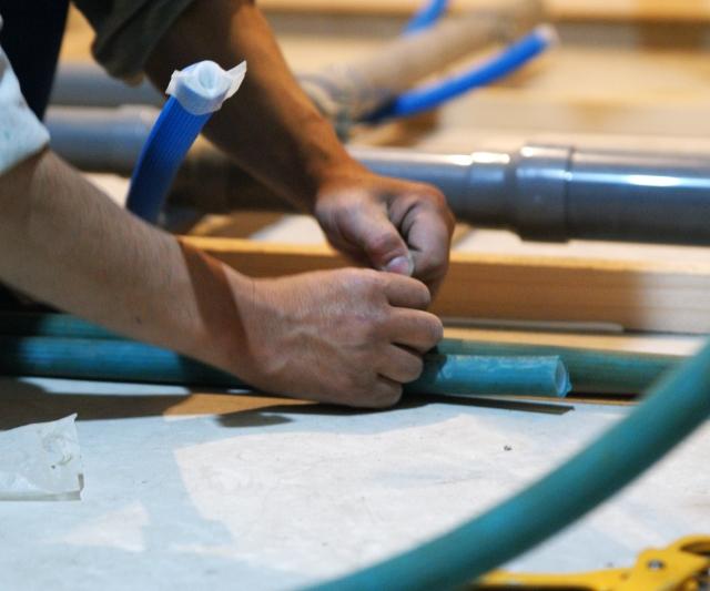 知り合いの大工さんに依頼したら、家を安く建ててくれるってホント?